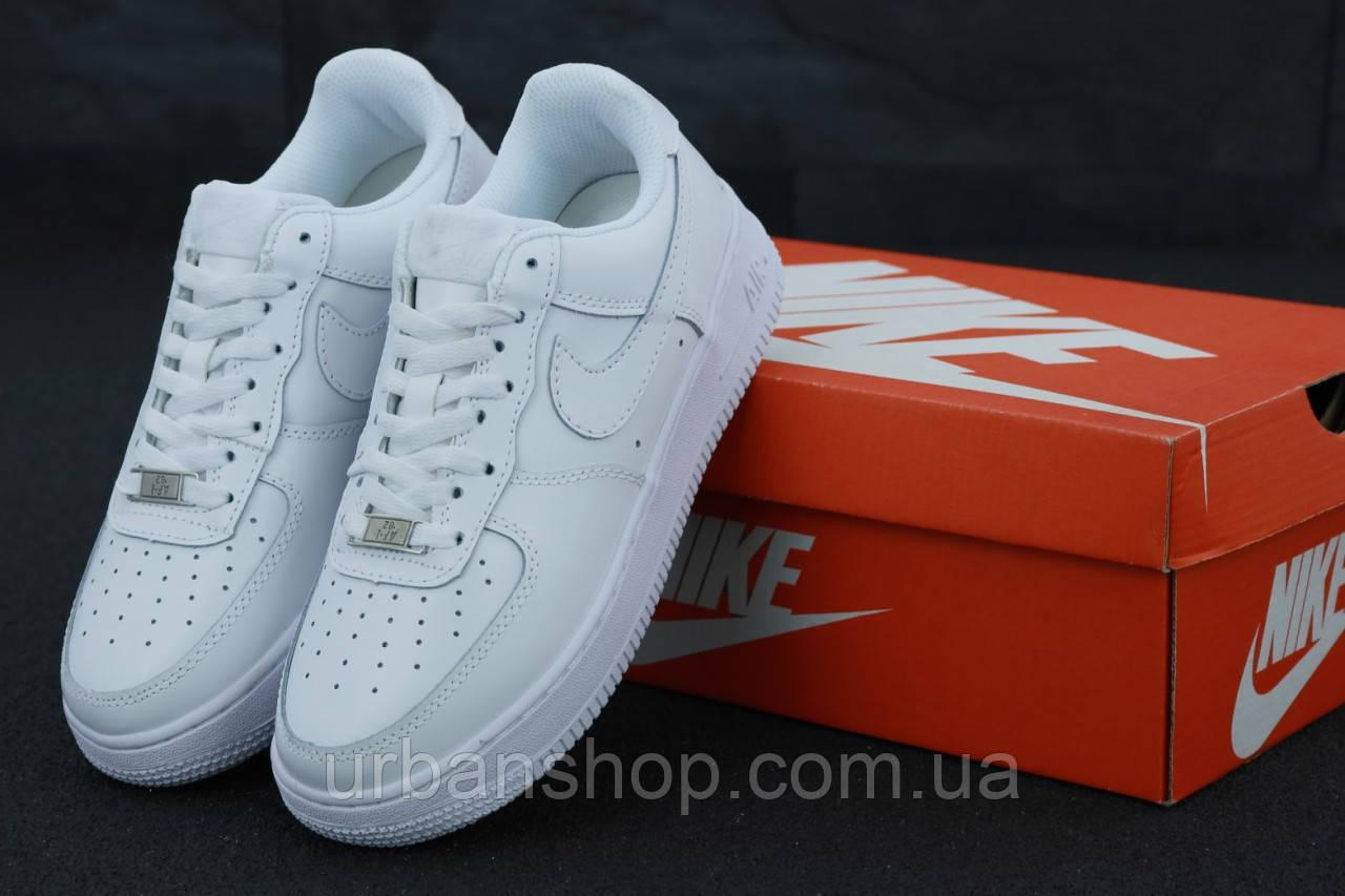 Чоловічі кросівки Nike Air Force White