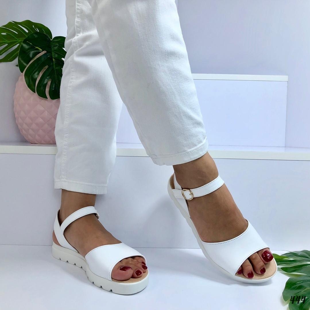 Женские босоножки белые Comfort 444