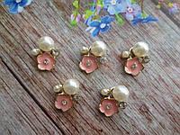 """Металлический клеевой декор """"Цветочек с жемчужиной и стразами"""", 15х18 мм, цвет розовый, 1 шт"""