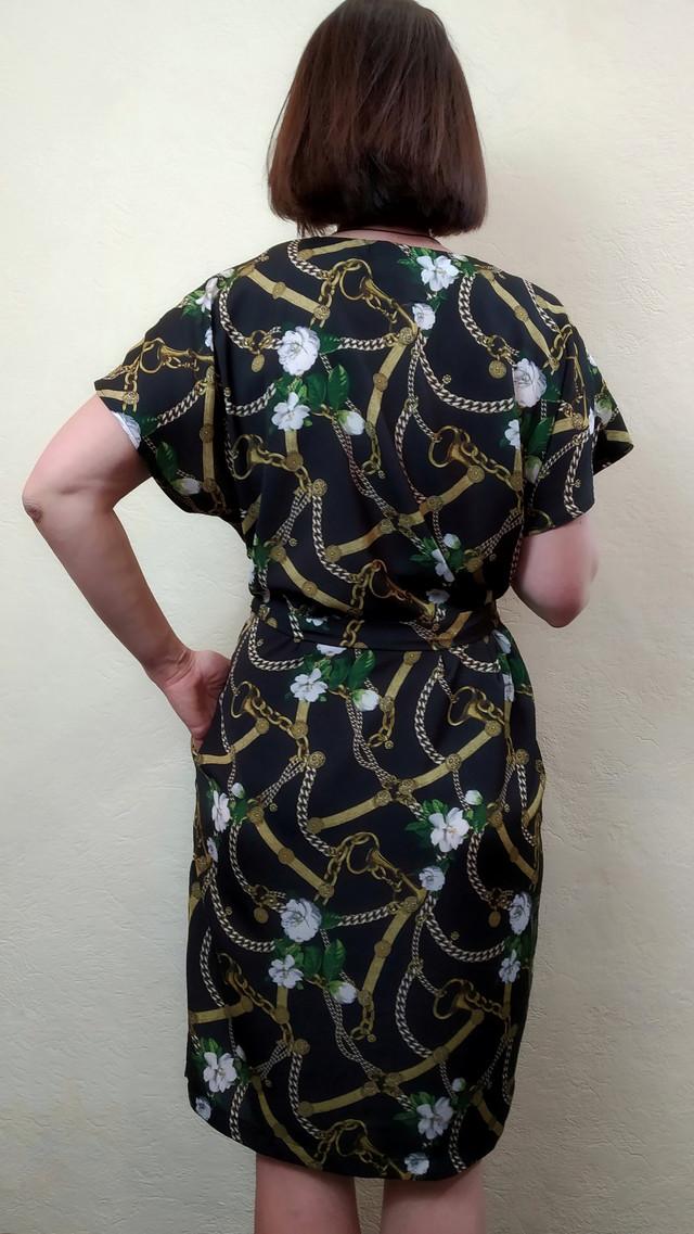 Женское летнее платье свободного силуэта с карманами и поясом П237