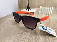Солнцезащитные очки Ray Ban Wayfarer - черные c оранжевыми дужками (без логотипа)