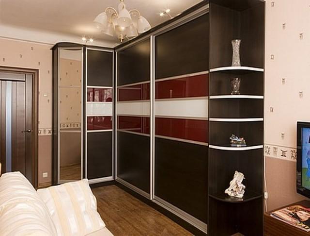 угловой шкаф купе на заказ в гостиную фото
