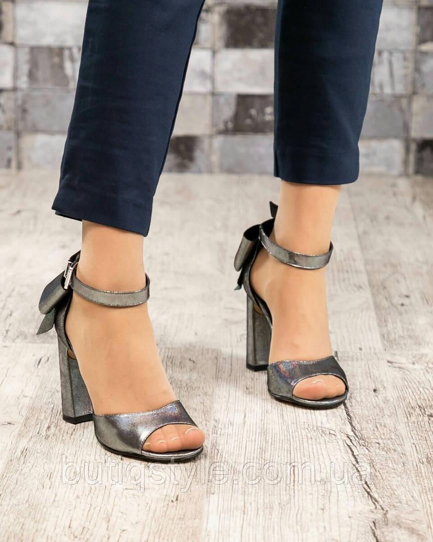 Женские босоножки на каблуке серебристый темный, натур.кожа