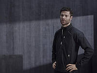 Испанская футбольная звезда Хаби Алонсо стал послом бренда Porsche Design Sport by adidas