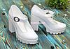 Женские кожаные туфли на высоком устойчивом каблуке, цвет белый, фото 3