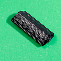 Коллекционный минерал шерл черный турмалин, 471ФГШ