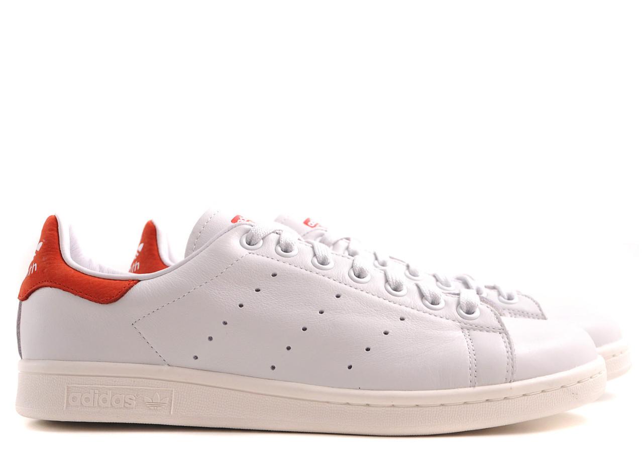 Женские кроссовки Adidas Stan Smith белые с красным