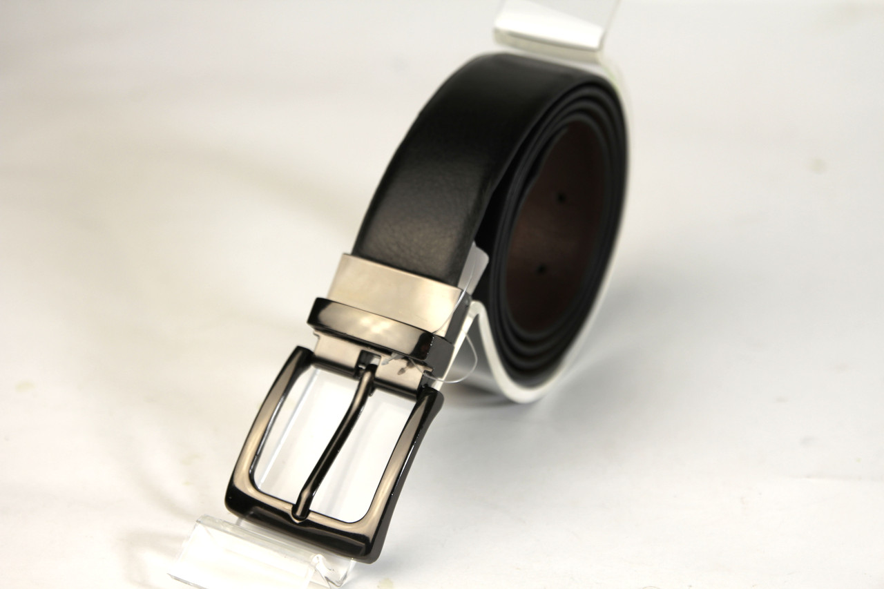Черный пояс из плотного кожзама с классической пряжкой. (11271)