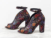 Шикарные туфли с открытым носиком  в нежном цветочном принте, на устойчивом обтяжном каблуке 36-40