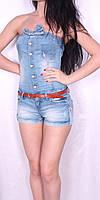 Легкий джинсовый комбинезон с шортами.