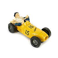 Копилка 3F8200 гонщик на ретро автомобиле желтый