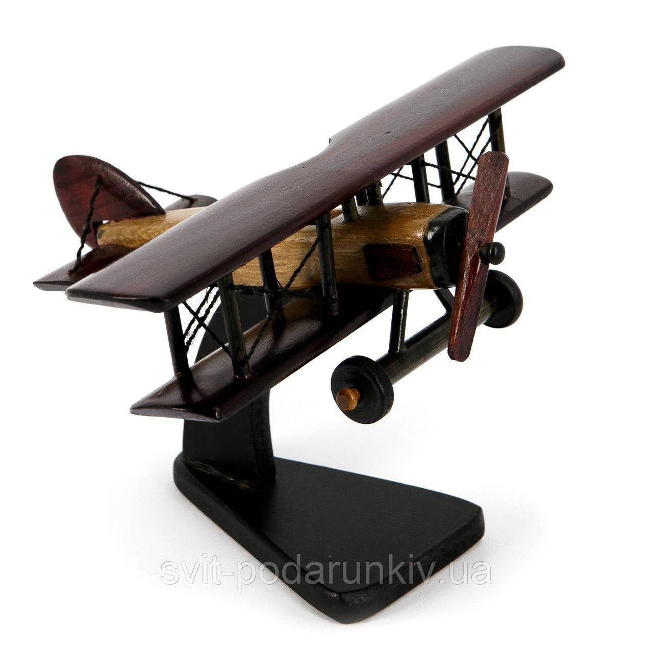 Модель самолета из дерева №1