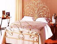 Кованая кровать с ажурным изголовьем