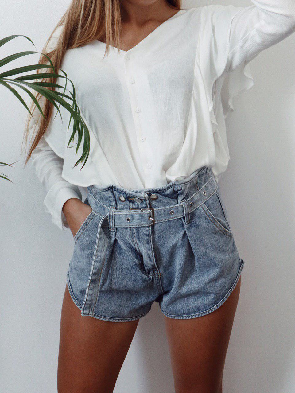 Женские джинсовый шорты с поясом в комплекте