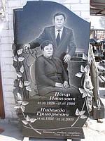 Памятник для двоих с розами
