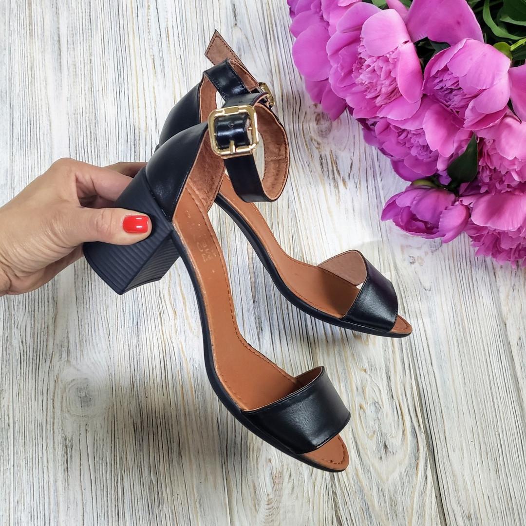 Босоножки на небольшом каблуке из натурально кожи черного цвета ELEGANTE BLACK LEATHER