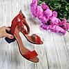Босоножки на каблуке из натуральной замши красного цвета, фото 2