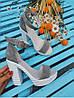 Босоножки на высоком каблуке из натуральной замши серого цвета DEFIANCE GREY SUEDE, фото 3