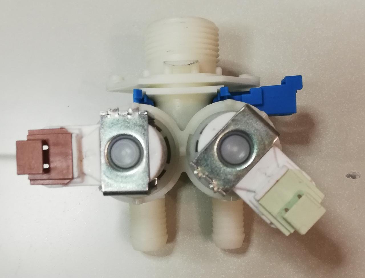 Клапан води 2/180 з мікро фішкою Zanussi 1325186508 до пральної машини