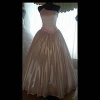 Женское вечернее и свадебное платье розового цвета из атласа