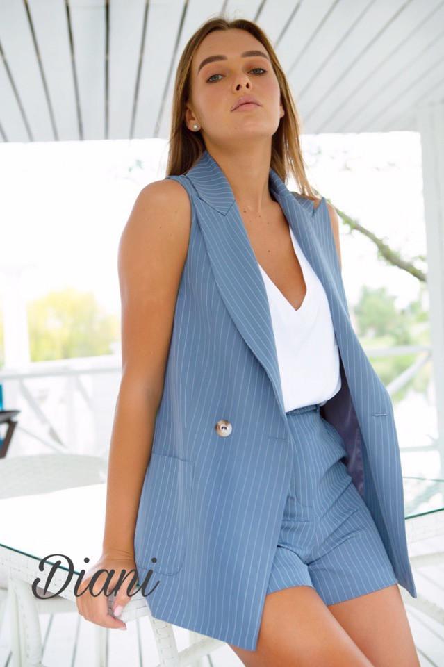 Женский стильный летний костюм тройка жилет майка и шорты креп костюмка Estilo Diani размер 42,44,46