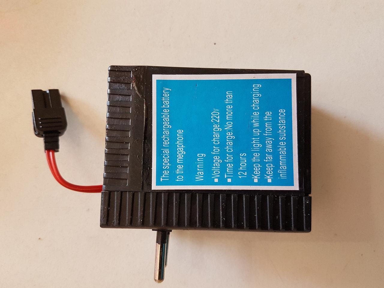 Акумулятор для мегафона рупора гучномовця 6В з вбудованим зарядним пристроєм від мережі 220В