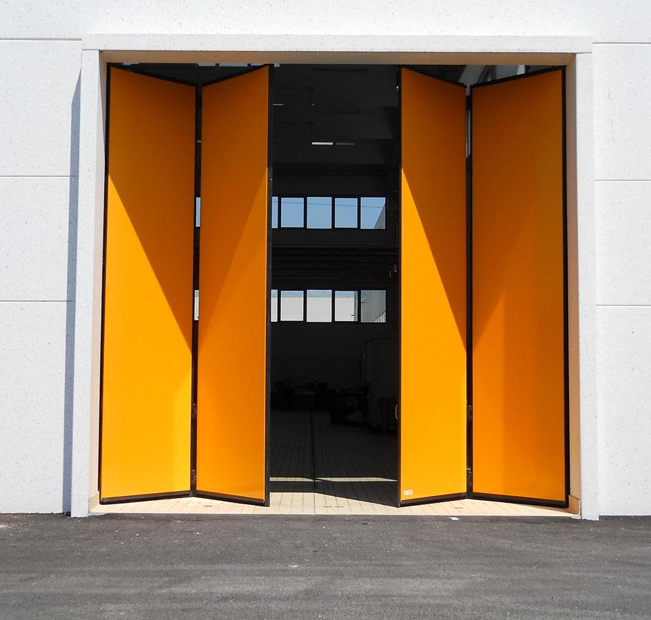 Складчасті  промислові ворота Smart 2+2.