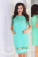 Женское лаконичное прямое платье с кружевом