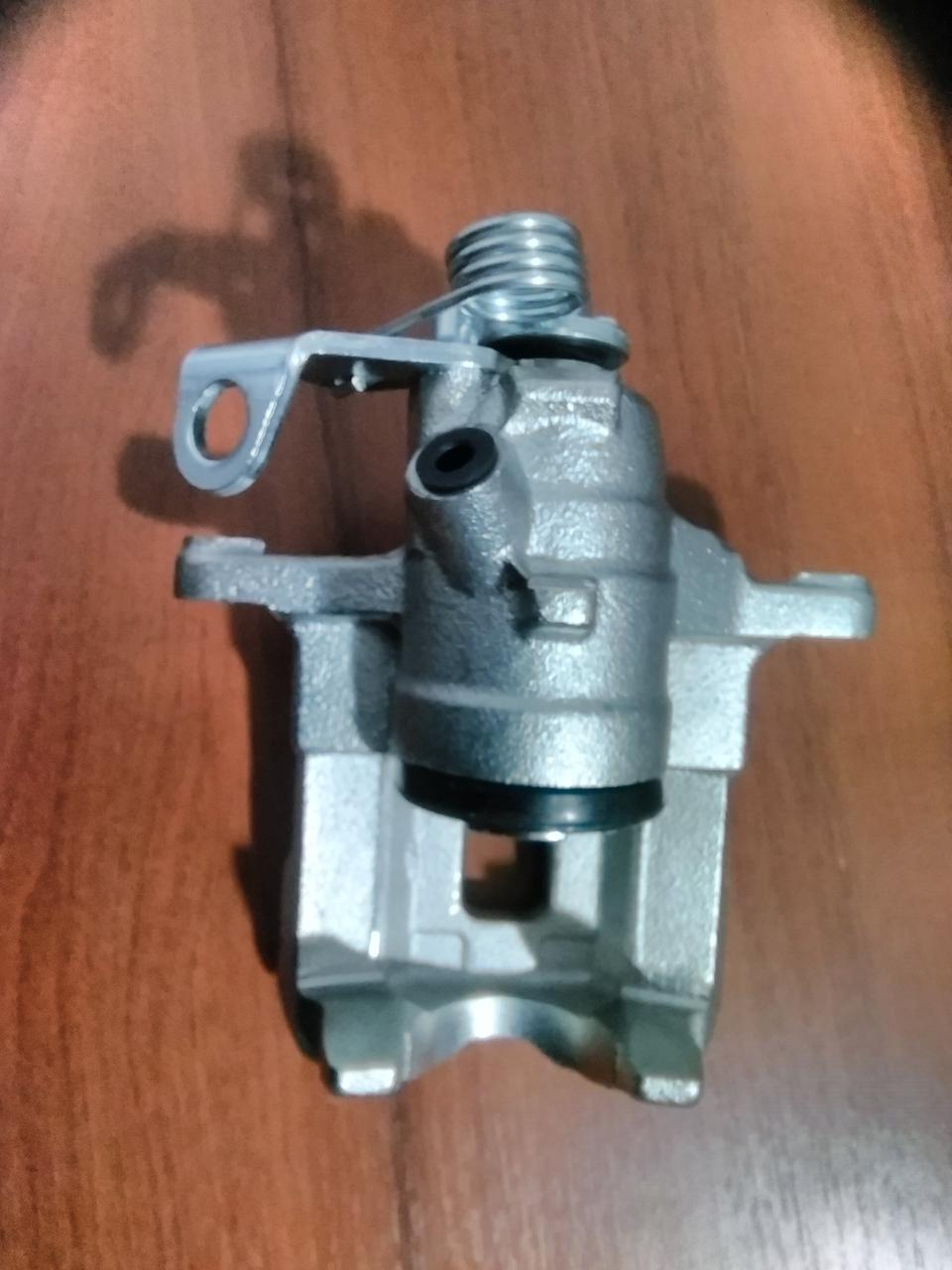 Суппорт тормозной (задний) (L) Renault Trafic,Opel Vivaro ,Nissan Primastar (d=41mm)