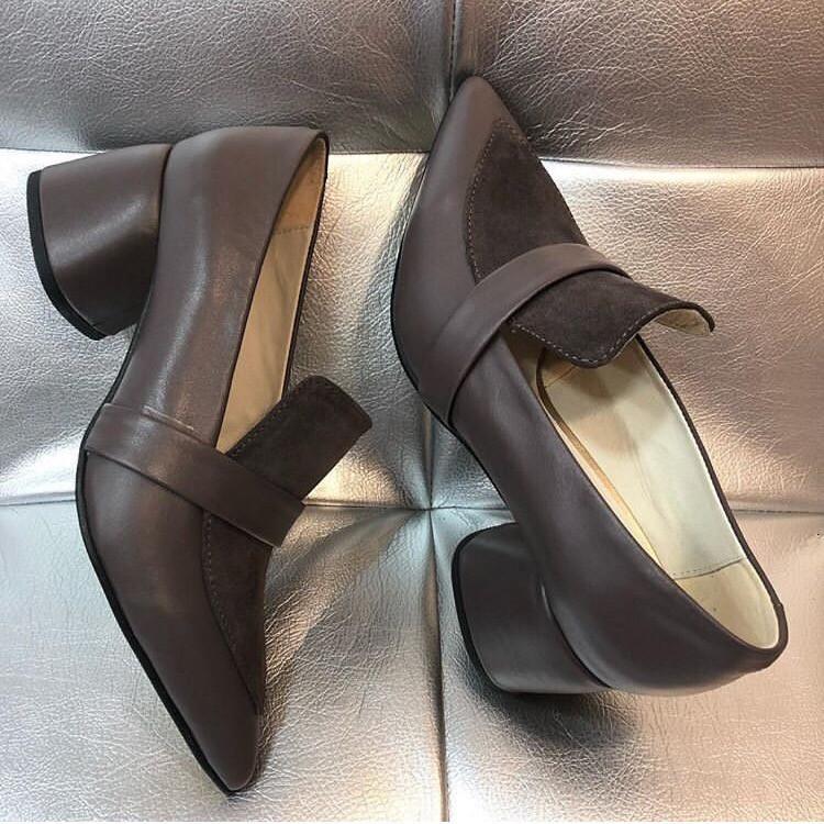 4251c888a94b Женские кожаные коричневые туфли на маленьком квадратном каблуке - Bigl.ua
