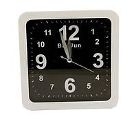 Часы-будильник пластиковый 15*15см