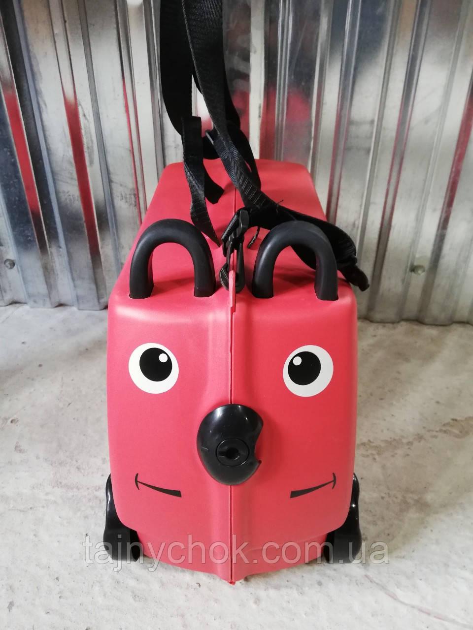 Детский пластиковый чемодан с сидением для ребенка