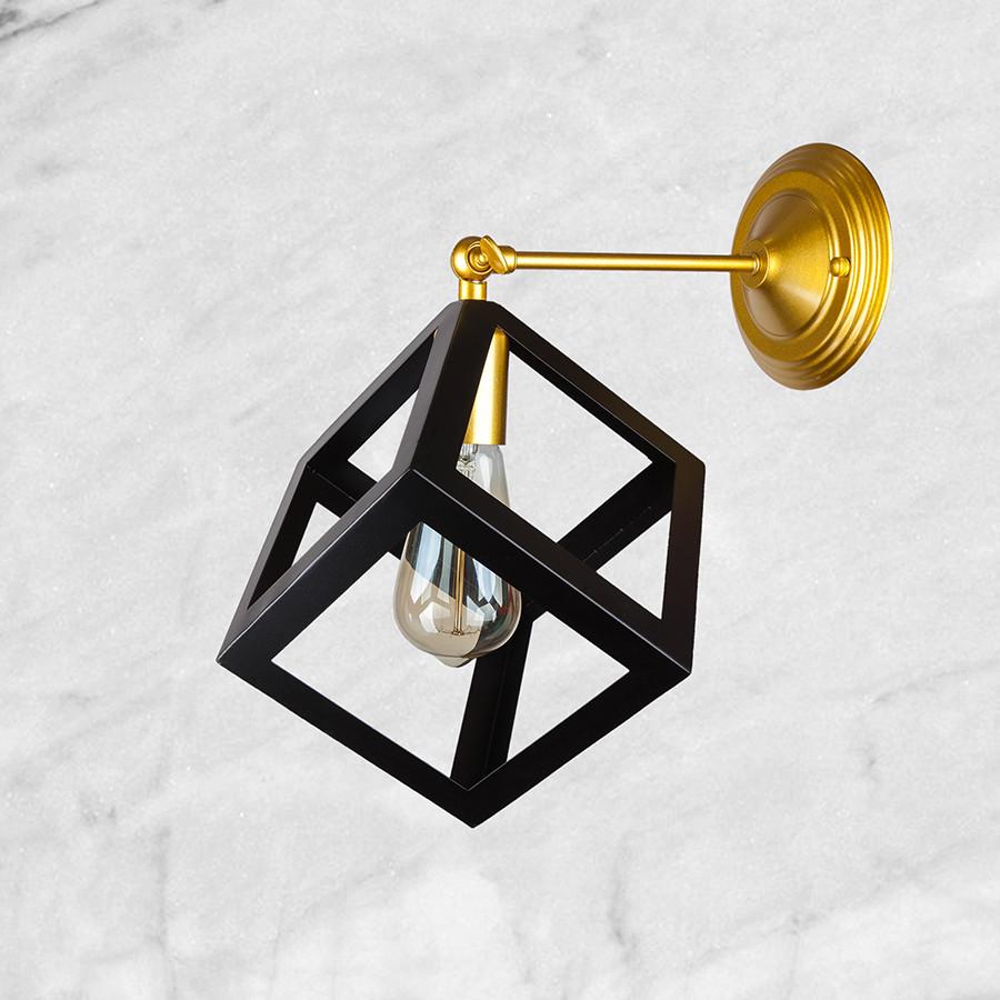 """Бра чёрный """"Кубик"""" на золотом основании"""
