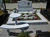 Мраморный памятник М-18