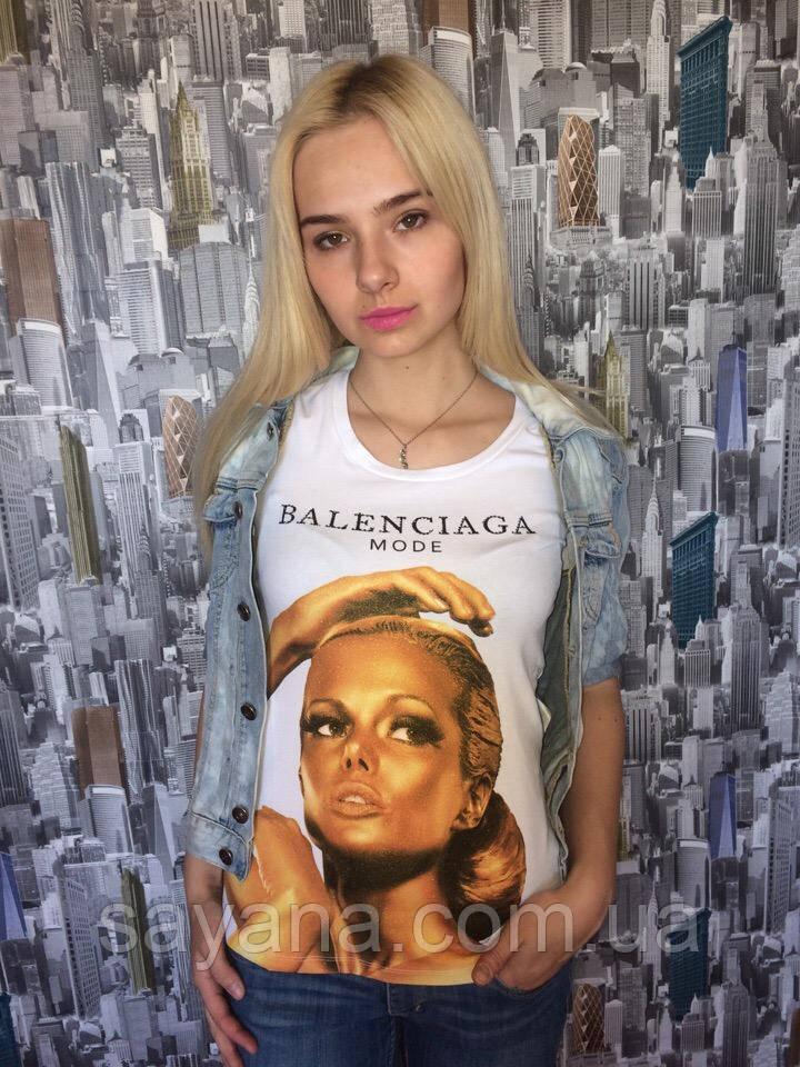 Жіноча футболка бренд з модним принтом в кольорах. Н-8-0519