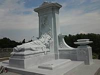 Мраморный памятник М-19