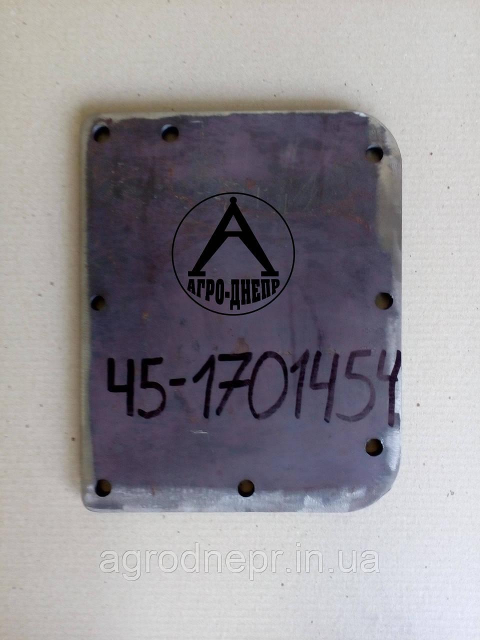 Крышка люка КПП ЮМЗ 45-1701454