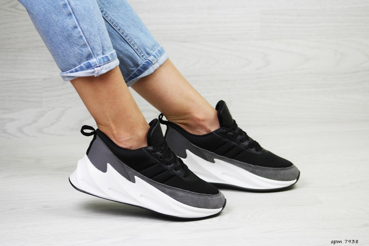 Жіночі кросівки Adidas Sharks (чорно-сірі, з білим)