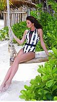 Женский сдельный купальник Fuba 1169 в яркими фламинго и прозрачной вставкой. Размеры 38-46.