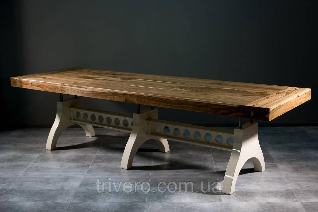 Большой стол в индустриальном стиле