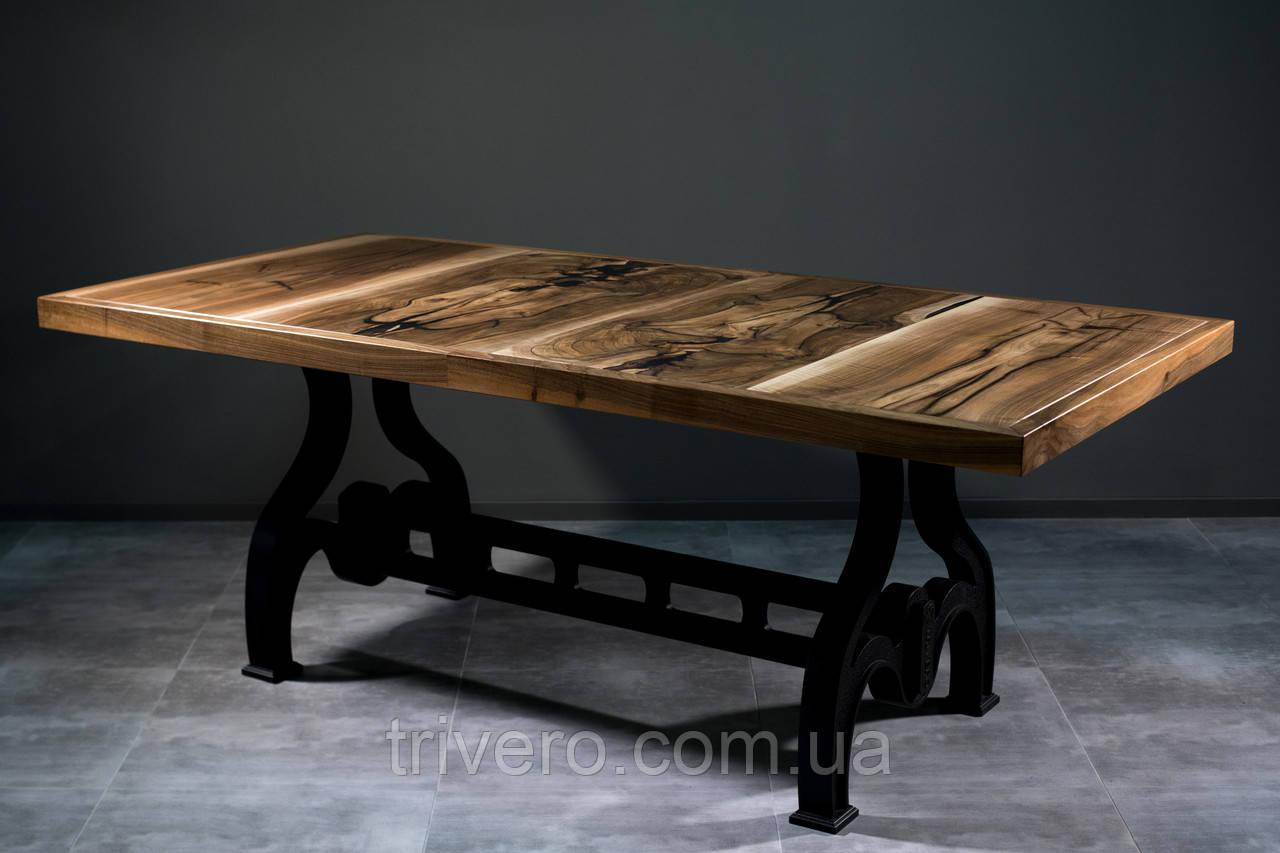 Стол из ореха в индустриальном стиле