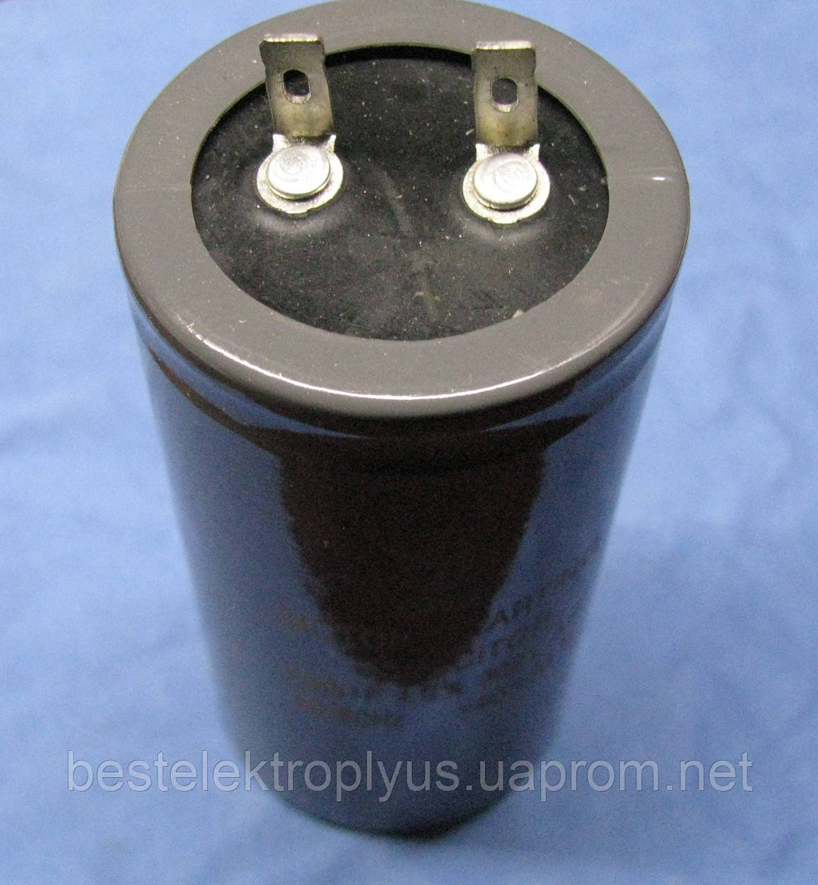 Конденсатор пусковой 700 мкф 300 В (CD-60)