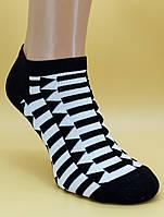 Короткі жіночі шкарпетки.