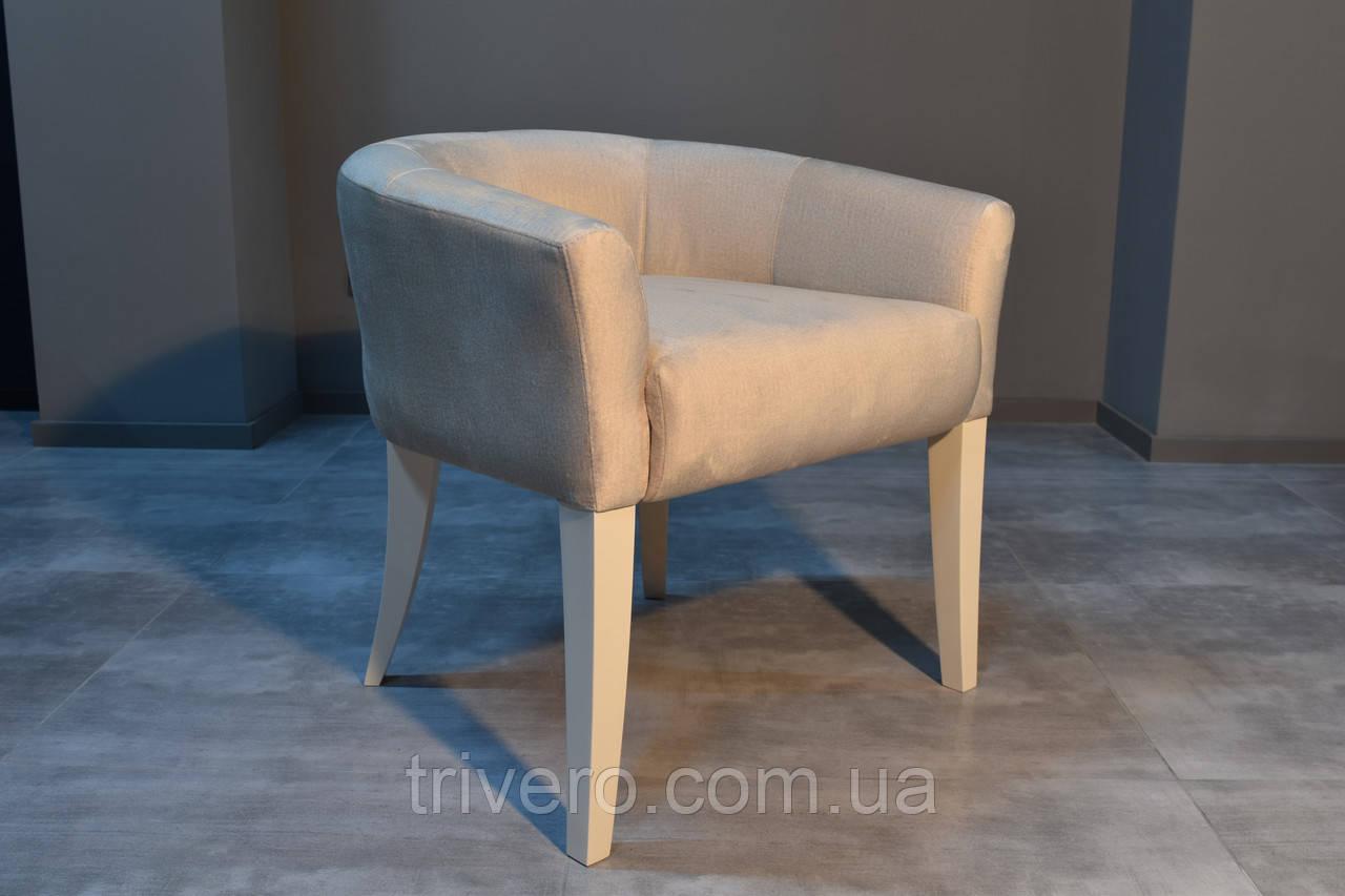 Дизайнерский стул с низкой спинкой белый