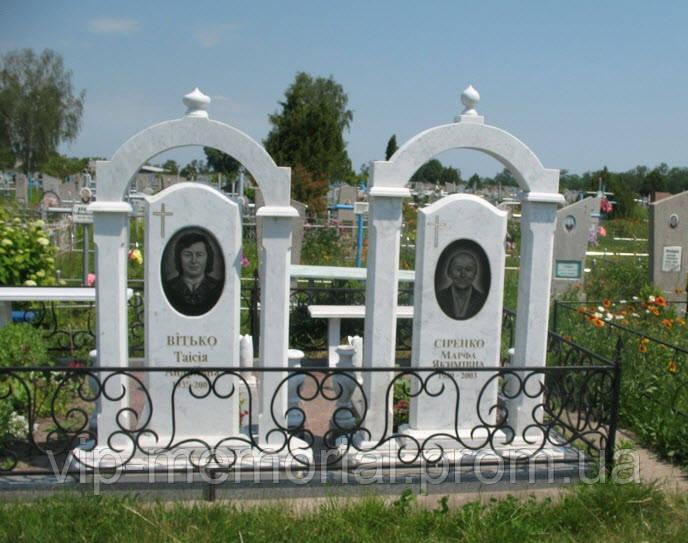 Мраморный памятник М-121