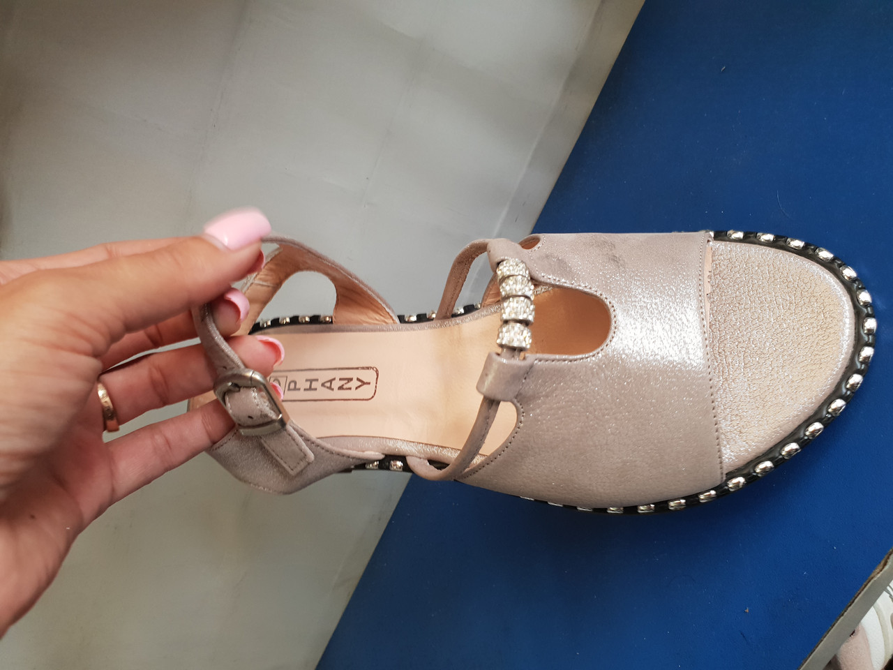 Кожаные женские сандалии Phany