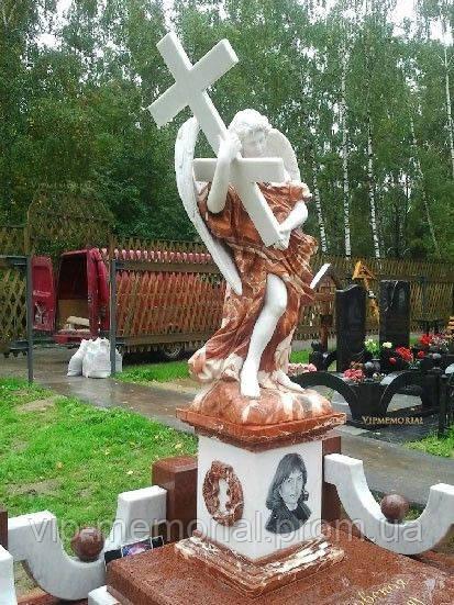 Мраморный памятник М-154