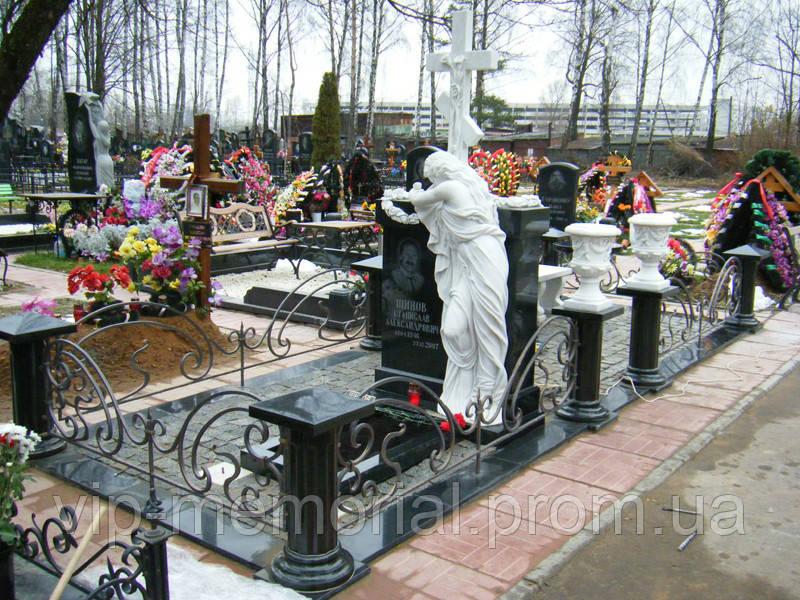 Мраморный памятник М-200