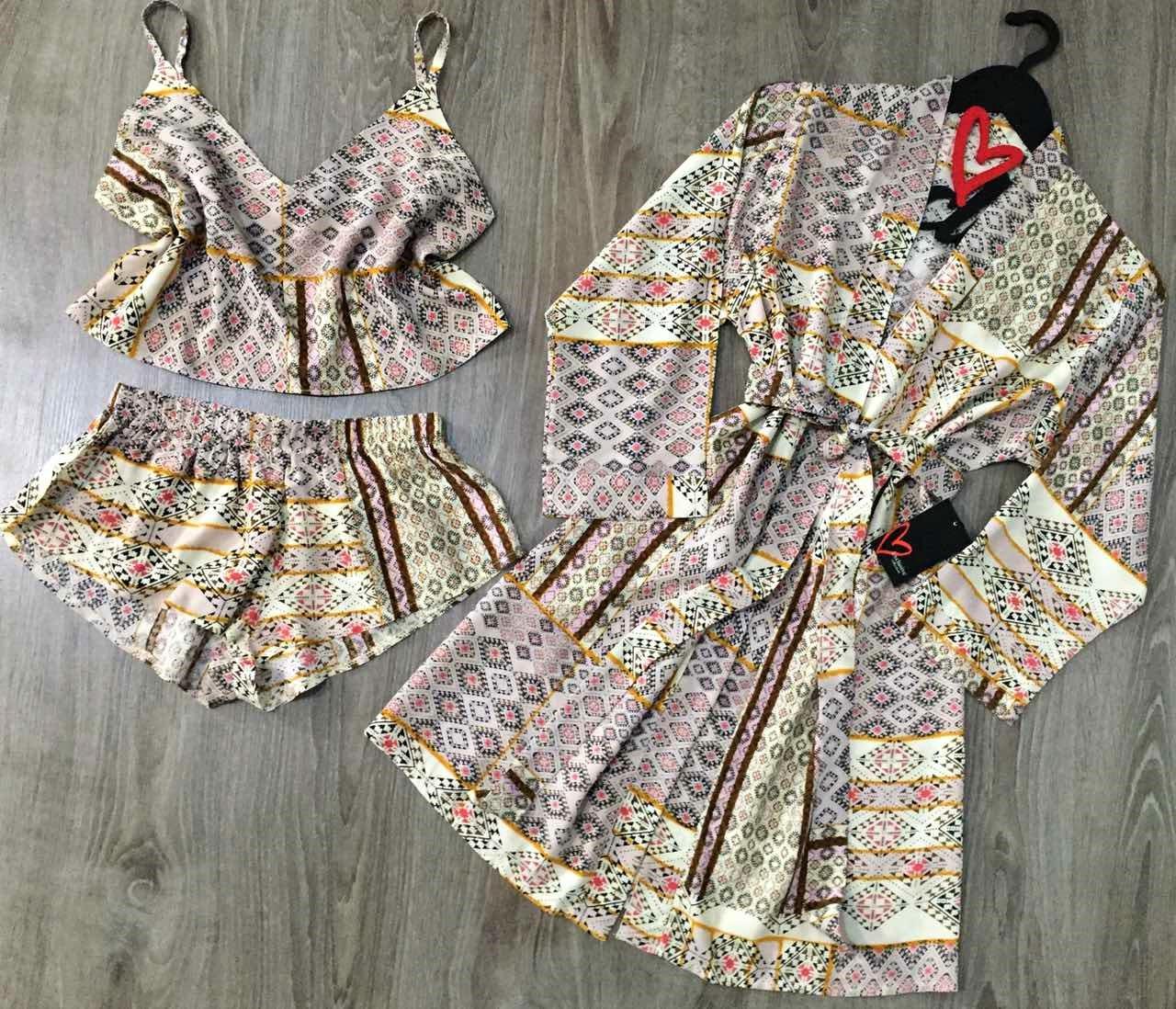 Комплект халат+топ+шорты с рисунком, летняя домашняя одежда.