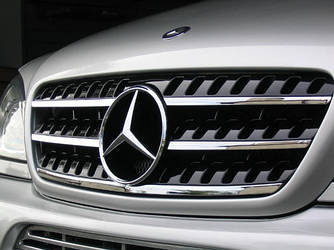 Решітка радіатора тюнінг Mercedes W163 ML в стилі W164